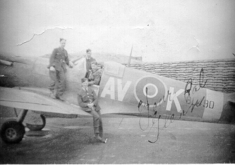 "F/Sgt Wonnacott and three ""Erks"" of the RAF"